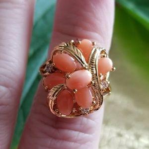 Vintage coral cluster ring 18kge size 5.75